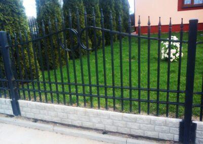Metalowe słupki ogrodzeniowe Białystok.